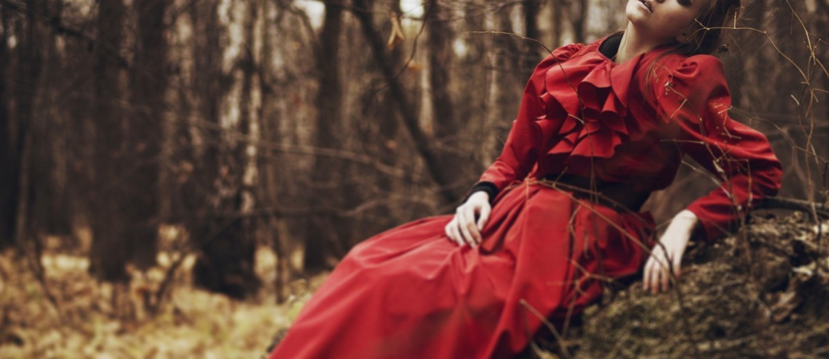 girl-red-dress-forest-fall-1680x1050-e1439371433665-1200x520