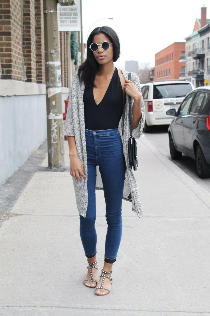 Студентка в джинсах 7 фотография